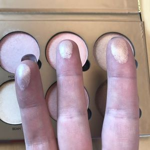 Other - ABH Dupe, Okalon Highlighting Pallet